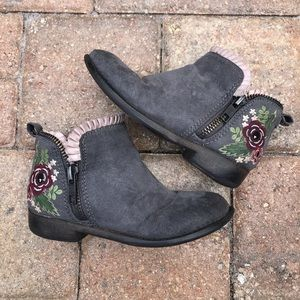 Other - Toddler Embroidered Gray Floral Booties